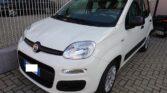 Vista anteriore Fiat Panda colore bianco
