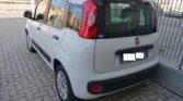 Vista posteriore Fiat Panda colore bianco